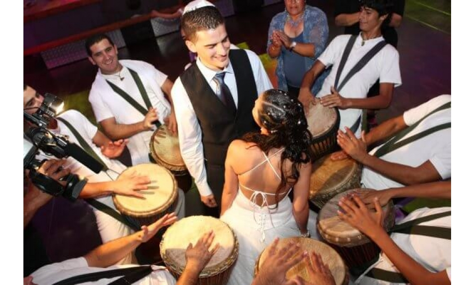 מעגלי-מתופפים-בחתונה